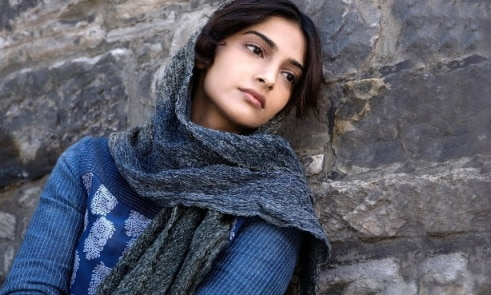 Lot of actresses abuse me for setting fashion trend: Sonam
