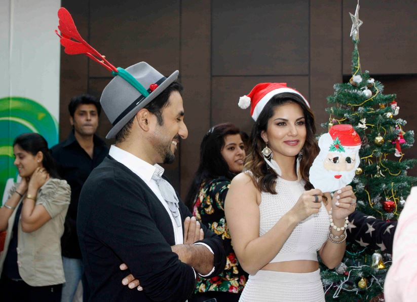 Sunny and Vir promotes film Mastizaade