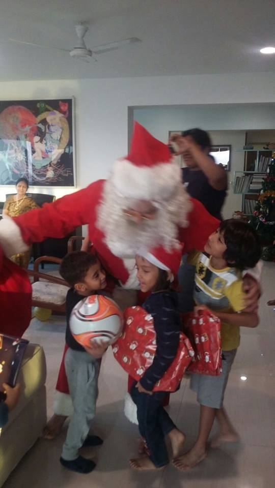 aamir khan becomes santa claus
