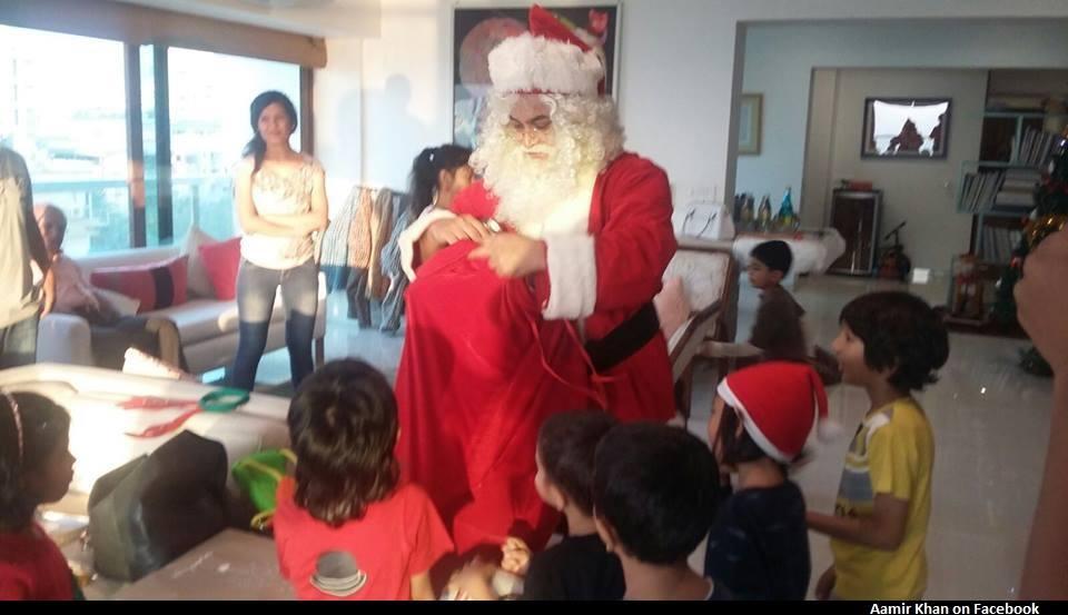 aamir takes santa avatar