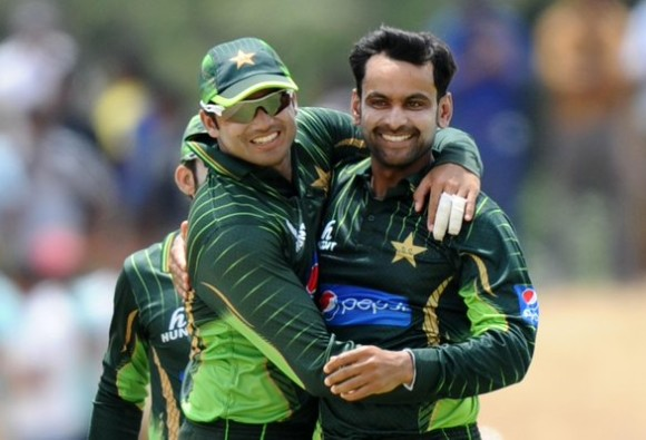 Mohammad Hafeez, Azhar Ali agree to unconditional return to camp