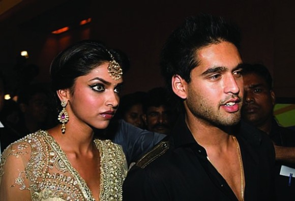 sidharth malya praud on Deepika