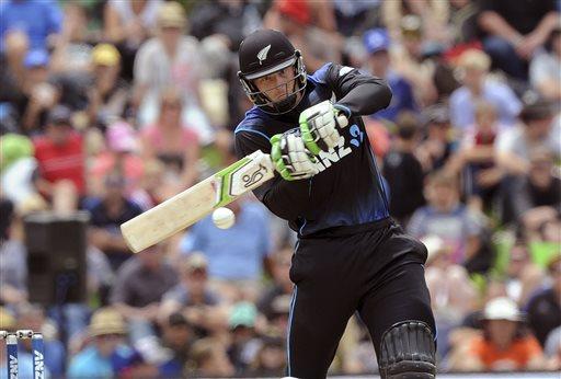 MartinGuptill smashes NZ to big win over SriLanka