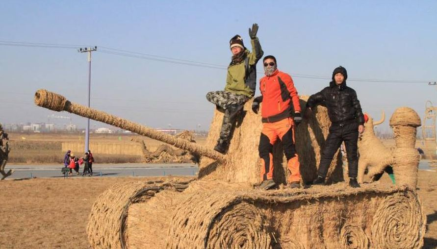 celebration of Straw sculptures starts in china for the first time