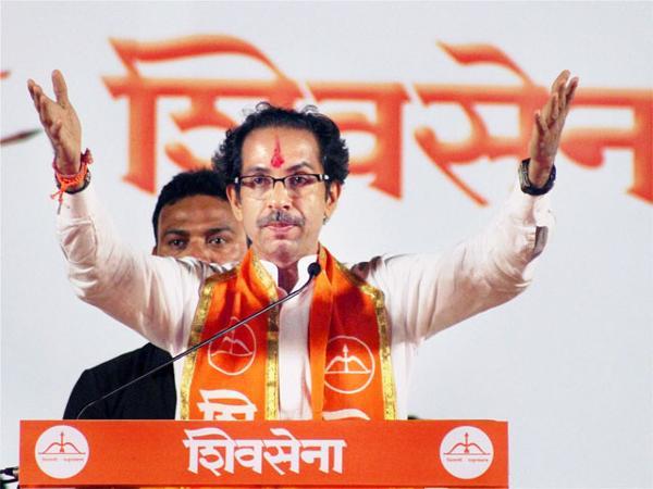 Shiv Sena frowns at Modi-Sharif meet