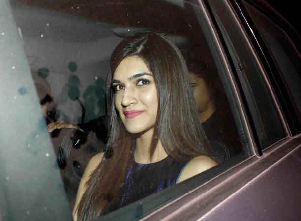Kriti Sanon Loses Her Sh*t Over A Man Who Was Watching Dilwale On His Phone!