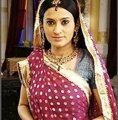 Tv actress smita-bansal comes clear on accusations of dowry harassment on her