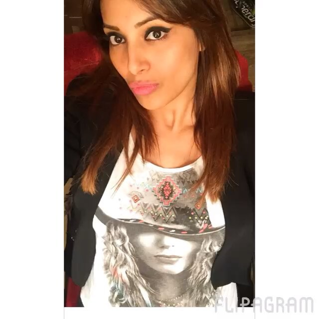 bipasha celebrating holiday
