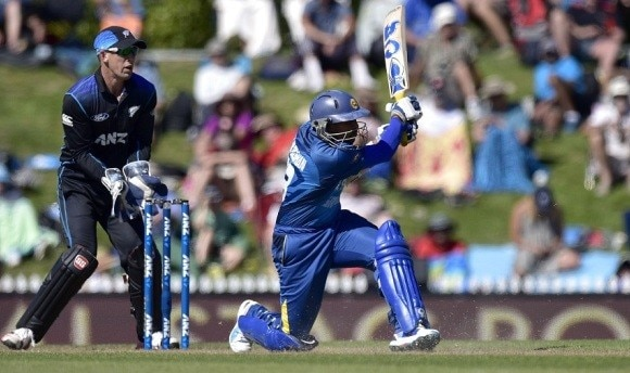 Sri Lanka saunter to victory to keep ODI series alive