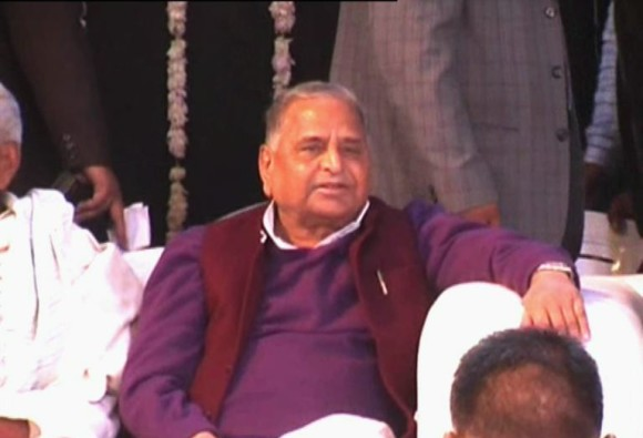 Decision to order firing on 'kar sevaks' in Ayodhya `painful`: Mulayam