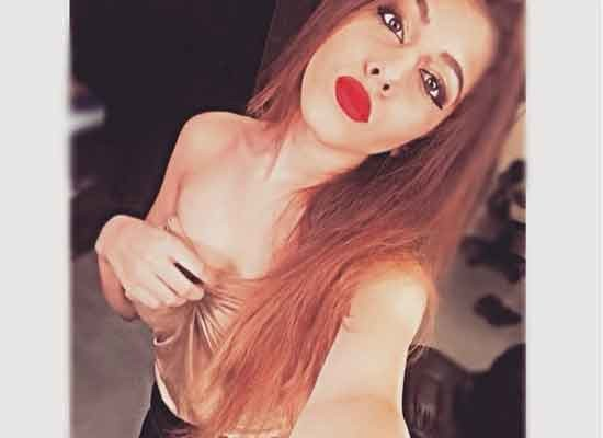 PHOTOS: Pooja bedi daughter said- i am more than my breasts