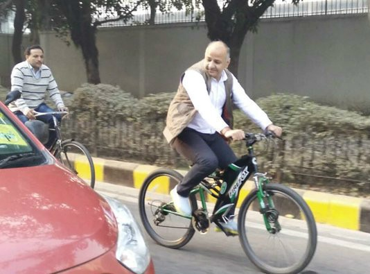Odd-even: Manish Sisodia spotted on bicycle