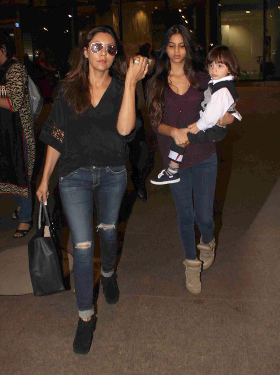 Bollywood celebrities arrive after new year celebrations