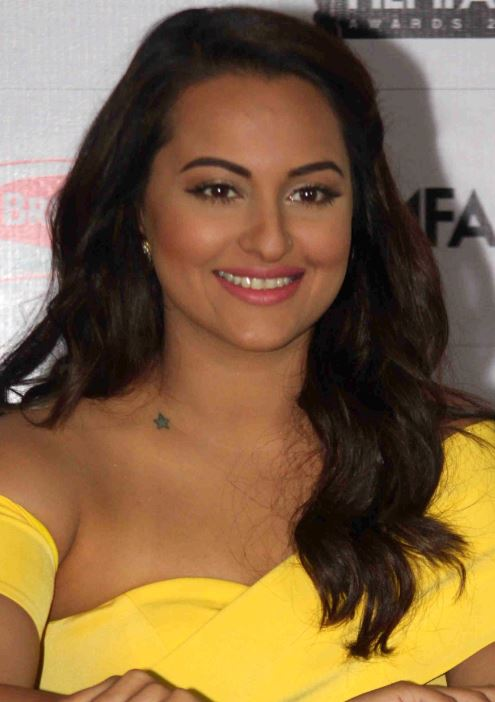 sonakshi sinha at  the Announcement of 61st Britannia Filmfare Awards 2015