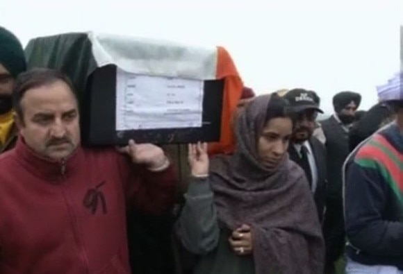 Pathankot braveheart's daughter shoulders father's coffin