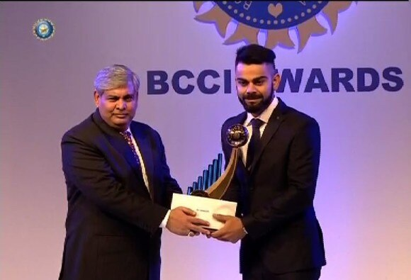 cricketer of the year kohli with new hair style
