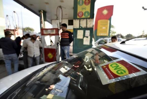 Odd even rule: cng sticker to available on only one station