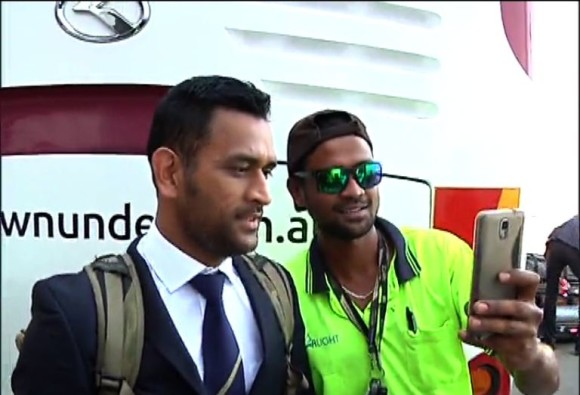 selfie with dhoni