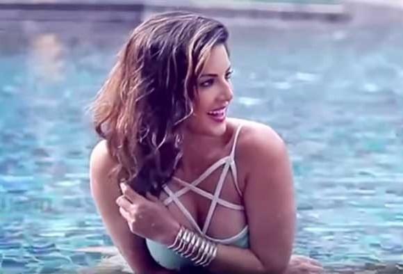 Sunny Leone on Mastizaade