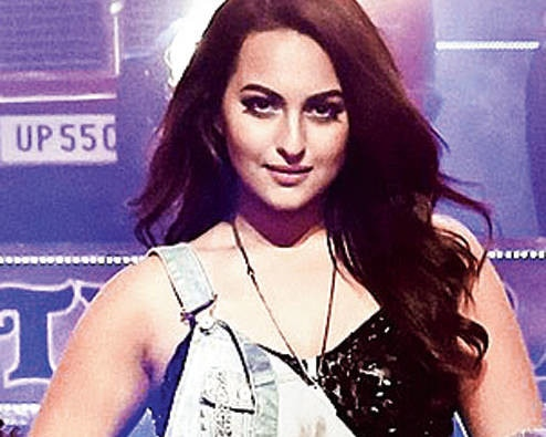 Sonakshi spotted some Odd number cars on an Even day, shared on twitter
