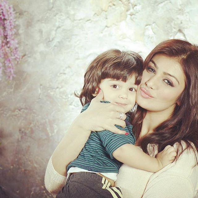 ayesha takia posts her sons pictures on insta and he's quite like shahrukh's abram