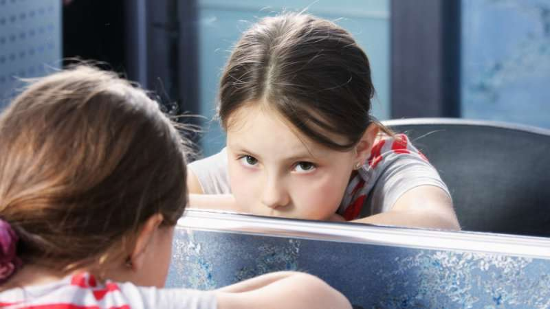 BLOG: लड़कियों को लड़कियां होना हम बचपन से ही सिखाते हैं