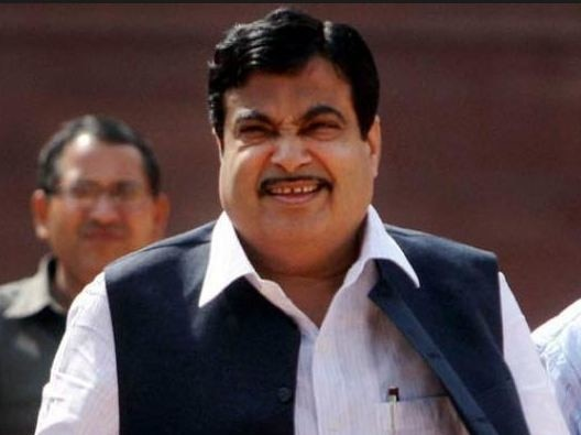 nitin gadkari speaks on road accidents