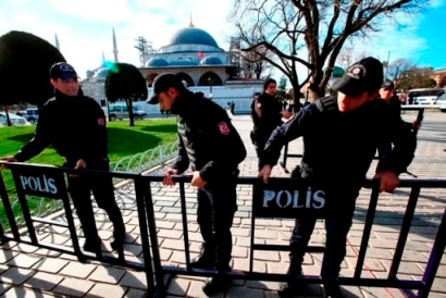 Suicide attack on Istanbul tourist hub Sultanahmet
