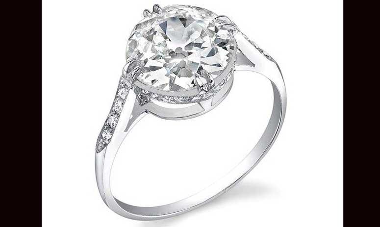 Huntington-Whiteley's engagement ring cost $350k