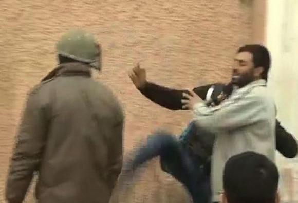 Clash in Srinagar after youth found dead