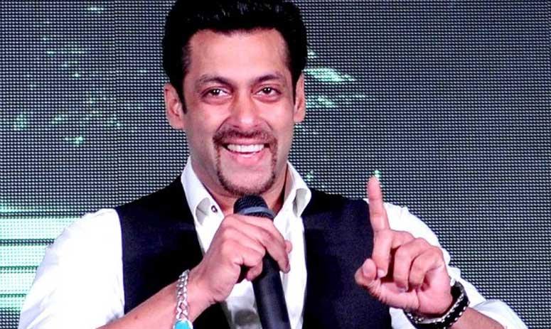 Filmfare Awards: Salman Khan replaces Shah Rukh Khan as host of the show?