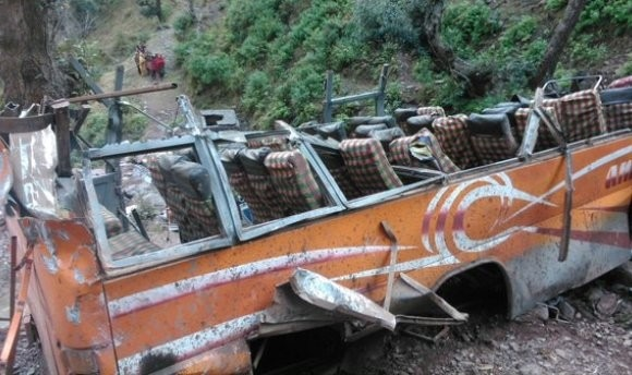Bus accident in Jammu, 11 killed