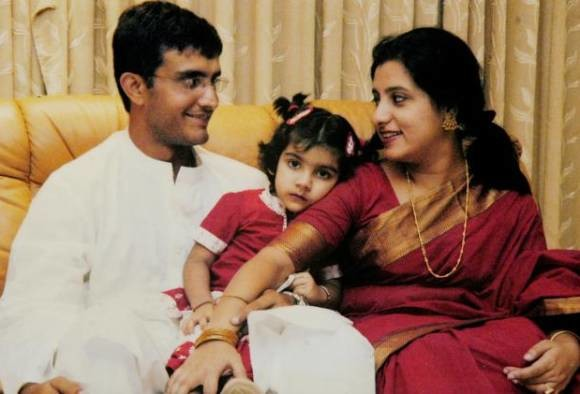 saurav-gangulys-wife-dona-met-with-an-accident