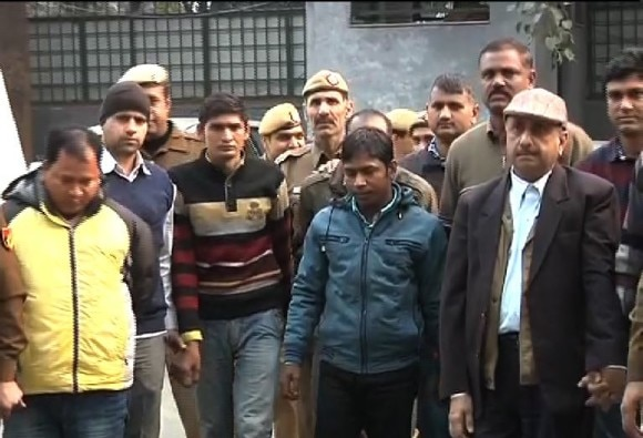 Delhi cops bust forged passport scam
