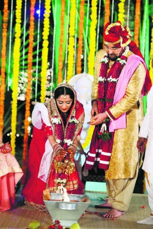 Kabir Bedi ties knot with Parveen Dusanj on 70th birthday