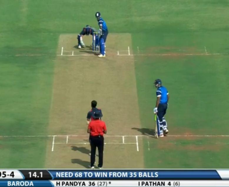 Akshay Karnewar's off-spin and left-arm spin in Same match