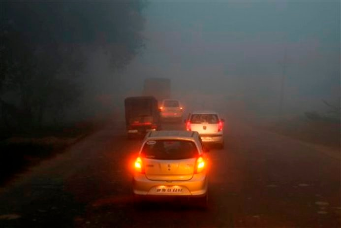 Cold in north India, Fog disturbed train and flights