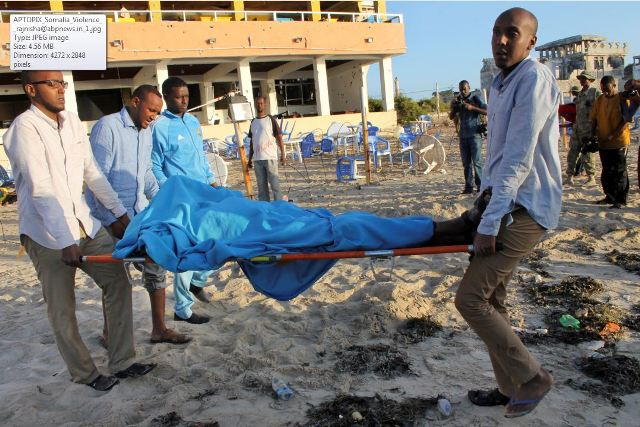 At least 19 dead in Somalia al-Shabaab restaurant attack