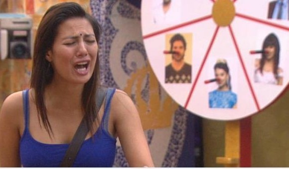 SHOCKING!! Rochelle Rao EVICTED from the Bigg Boss 9 finale!