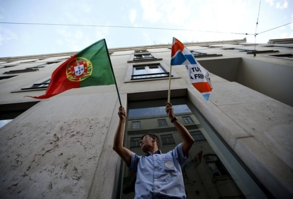 Portugal heads to polls in presidential ballot