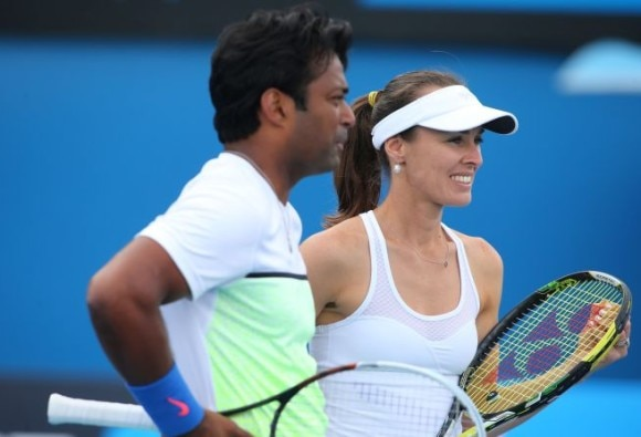 Paes, Bopanna advance in mixed doubles