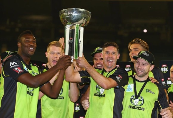 Hussey gets perfect send-off as Thunder win BBL