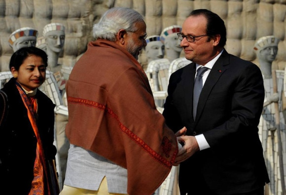 François Hollande insists on strengthening the strategics partnership with india during his current visit