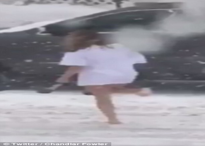Woman seen out in West Virginia snowstorm with no pants on