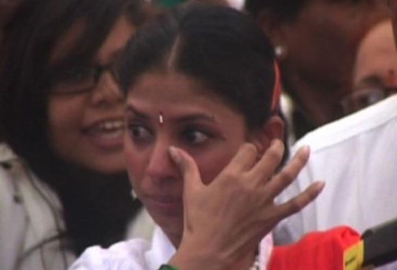 Geeta hoists tricolour at Indore