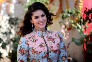 Bollywood actor Sunny Leone during the promotion of film Mastizaade on the sets of in SAB TV's show Chidiya Ghar, in Mumbai, India on January 24, 2016. (Nikesh Gurav/SOLARIS IMAGES)