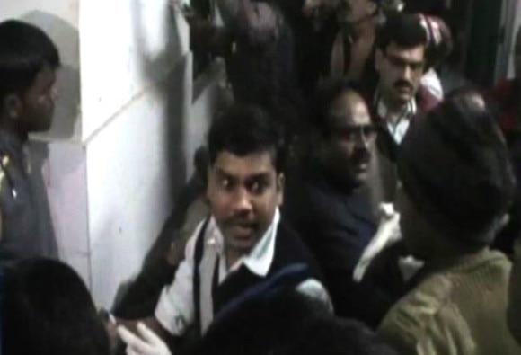 7 policemen dead in land-mine blast in Jharkhand