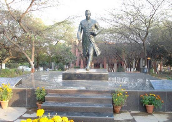 JNU Dalit PhD scholars allege discrimination, threaten suicide