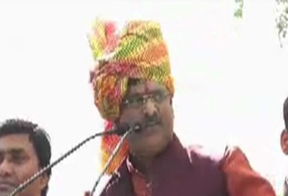 Abusive BJP MLA threatens Ex. Congress MLA