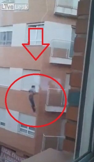 Man plummets four floors to his death after leaving his keys inside